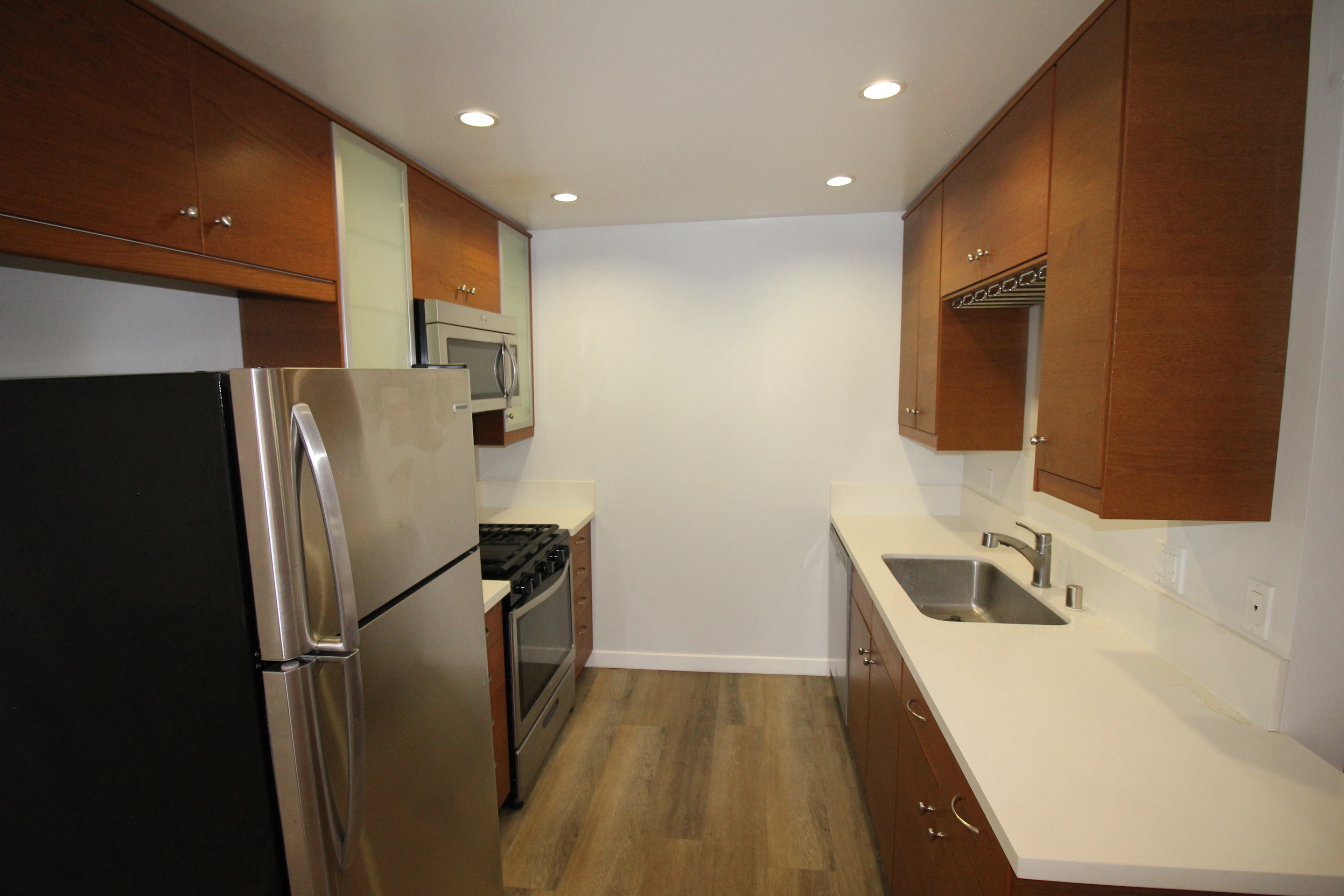 2 Bedroom apartment for rent in PALMS / 90034